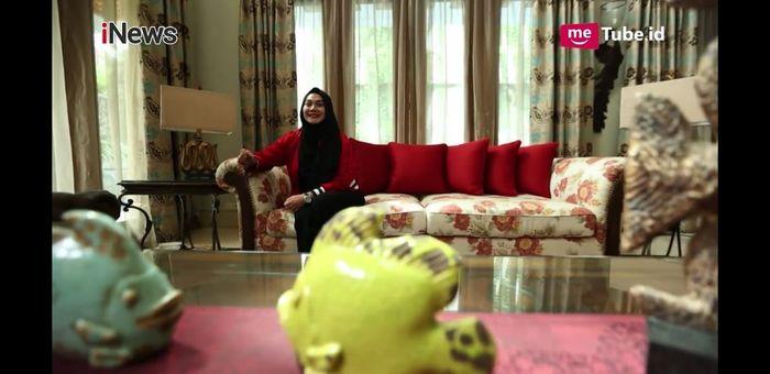 Ruang keluarga di rumah <a href='https://bangka.tribunnews.com/tag/sarita-abdul-mukti' title='SaritaAbdulMukti'>SaritaAbdulMukti</a>