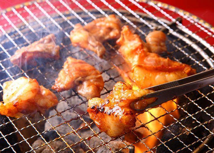Horumonyaki adalah sejenis masakan Jepang yang terbuat dari daging sapi atau babi.