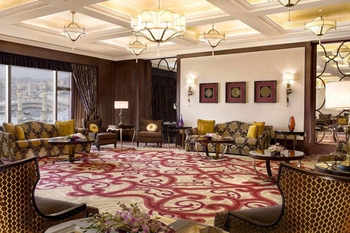 Fairmont Makkah Clock Royal Tower, hotel tempat Khabib Nurmagomedov menginap ketika tengan umroh