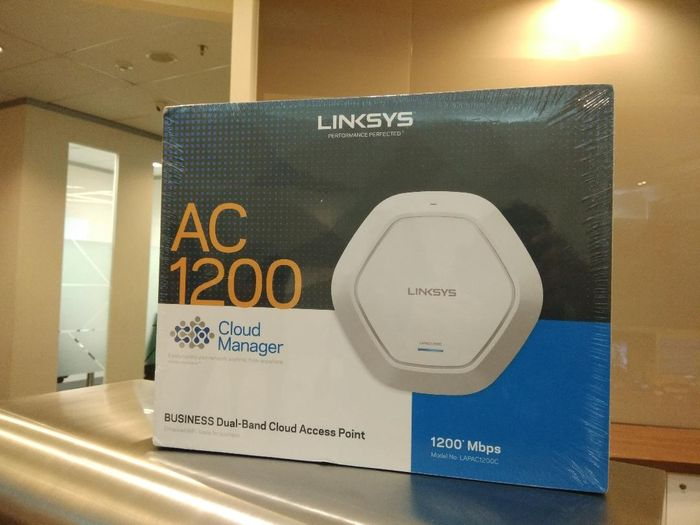 Linksys Indonesia menjual perangkat Access Point Linksys Business Wireless-AC 1200 dengan Cloud Manager senilai Rp3.3 juta.