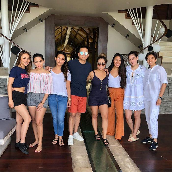 Luna Maya di Bali bersama Faisal