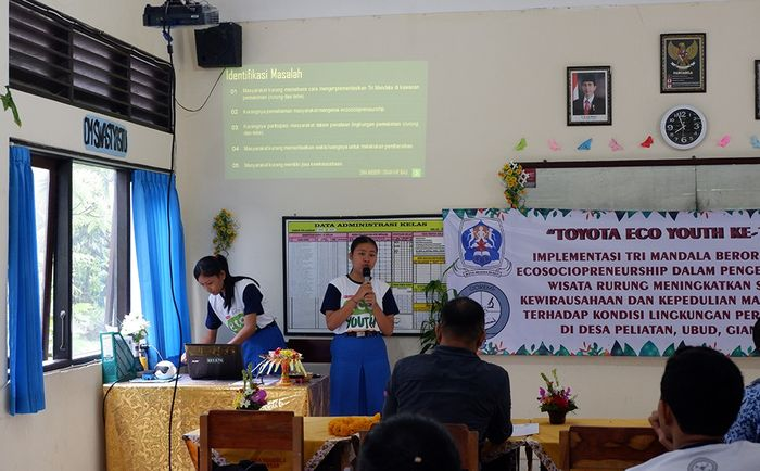 Presentasi Siswa SMAN 1 Gianyar Gagas Revitalisasi Gang (Rurung) Bucu Biar Jadi Objek Wisata Baru