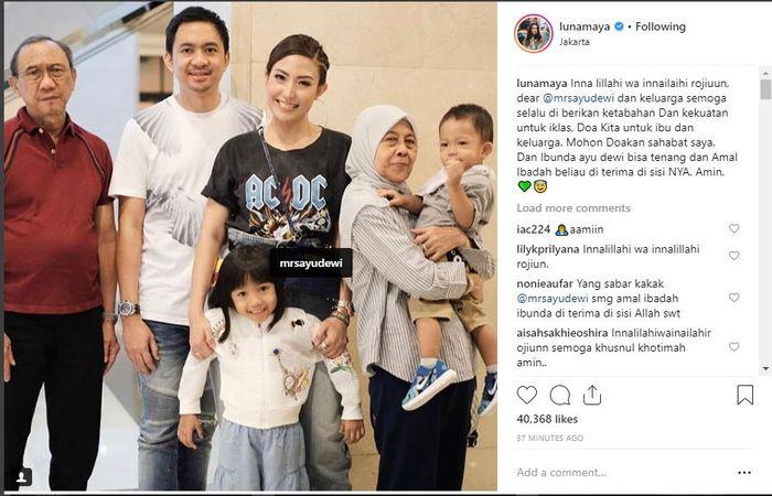 Ucapan duka Luna Maya atas meninggalnya ibunda Ayu Dewi.
