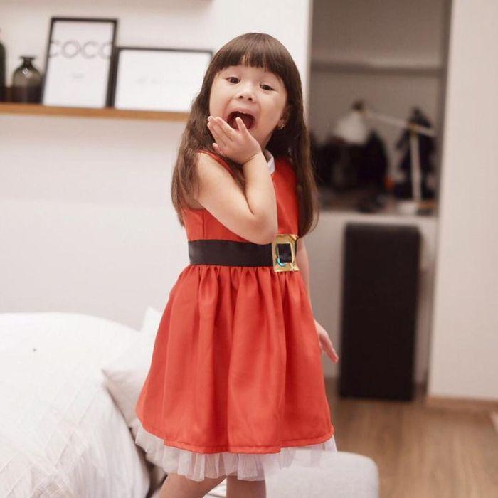 Gempita dengan balutan dress merah