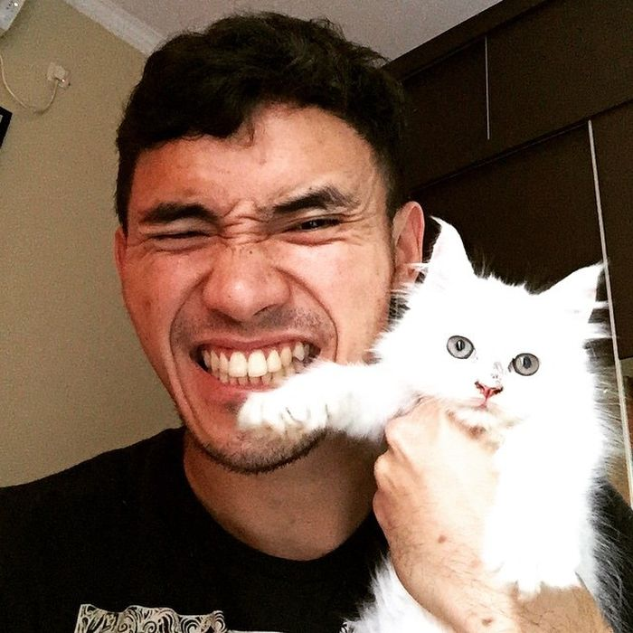 Calon suami Lindswell Kwok, Achmad Hulaefi, punya hobi yang sama dengan Lindswell Kwok, yakni memelihara kucing.