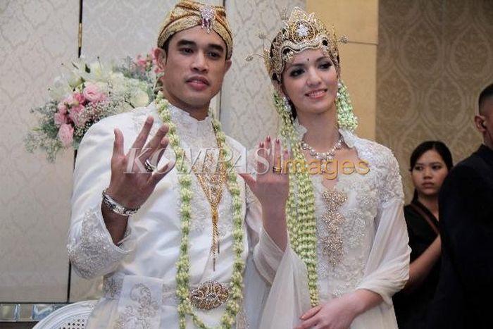 Pernikahan Nia Ramadhani dan Ardi Bakrie