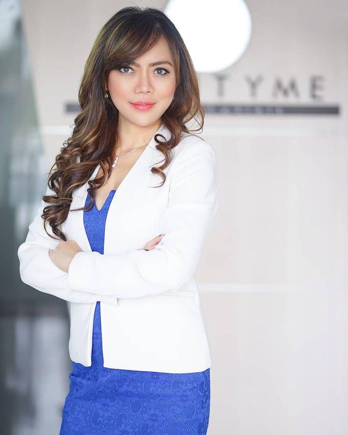 dr Luciana Hendrawan, M.Kes memberi penjelasan tentang cara menghindari kosmetik ilegal online