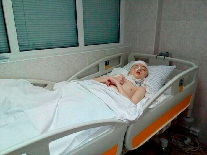 Bocah Rusia meninggal dunia karena tengkoraknya hancur saat selamatkan ibunya dari pemerkosa.
