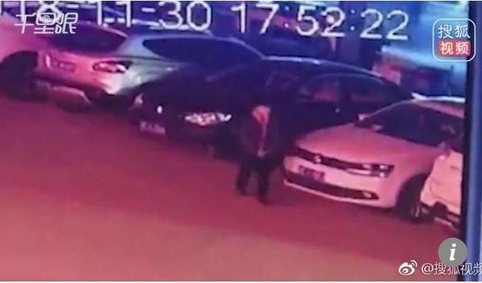 Rekaman CCTV tentang kebohongan Istrinya