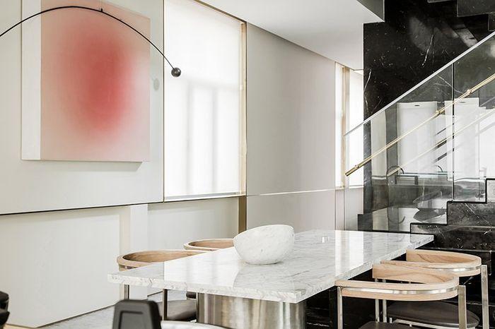Co-Direction Design merancang Tianjin Binhai Bay Fortune Center Villa Sample Room yang berada di distrik Binhai Tianjin, Tiongkok.