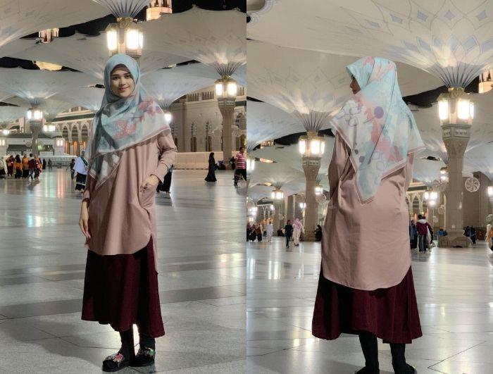 Penampilan gaya hijab Cut Meyriska dengan paduan tunik dan rok