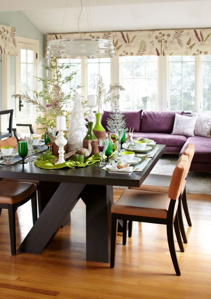 Meja makan dekorasi Natal