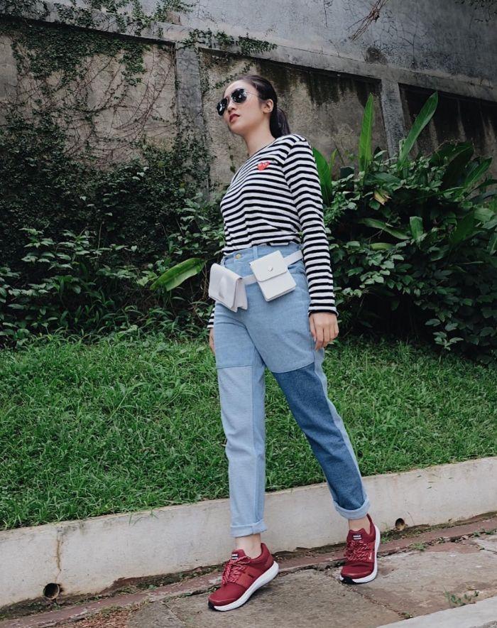 Inspirasi gaya Febby Rastanty dengan outfit long sleeve t-shirt motif stripe
