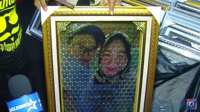 Mewah, Tampilan Mahar Pernikahan Ketiga Daus Mini Ini Terbuat dari Uang Bernuansa Emas!