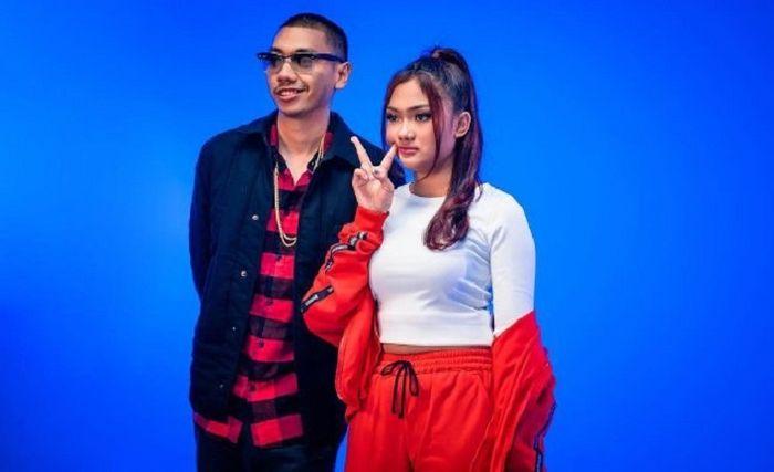 Marion Jola feat Rayi Putra
