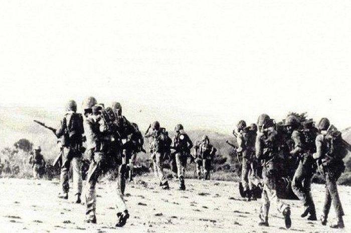 Batatyon Tim Pendarat Korps Marinir ketika melancarkan operasi Amphibi di Timor Timur