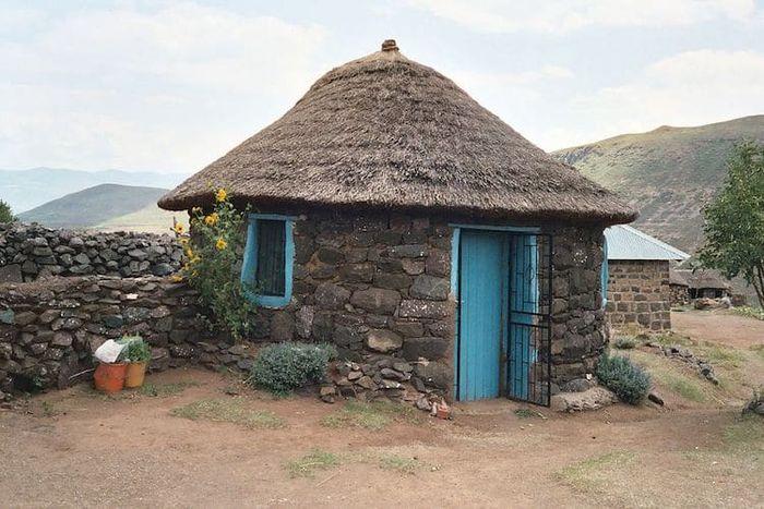 Rondavels/Round Homes (Lesotho, <a href='http://bangka.tribunnews.com/tag/afrika-selatan' title='AfrikaSelatan'>AfrikaSelatan</a>)
