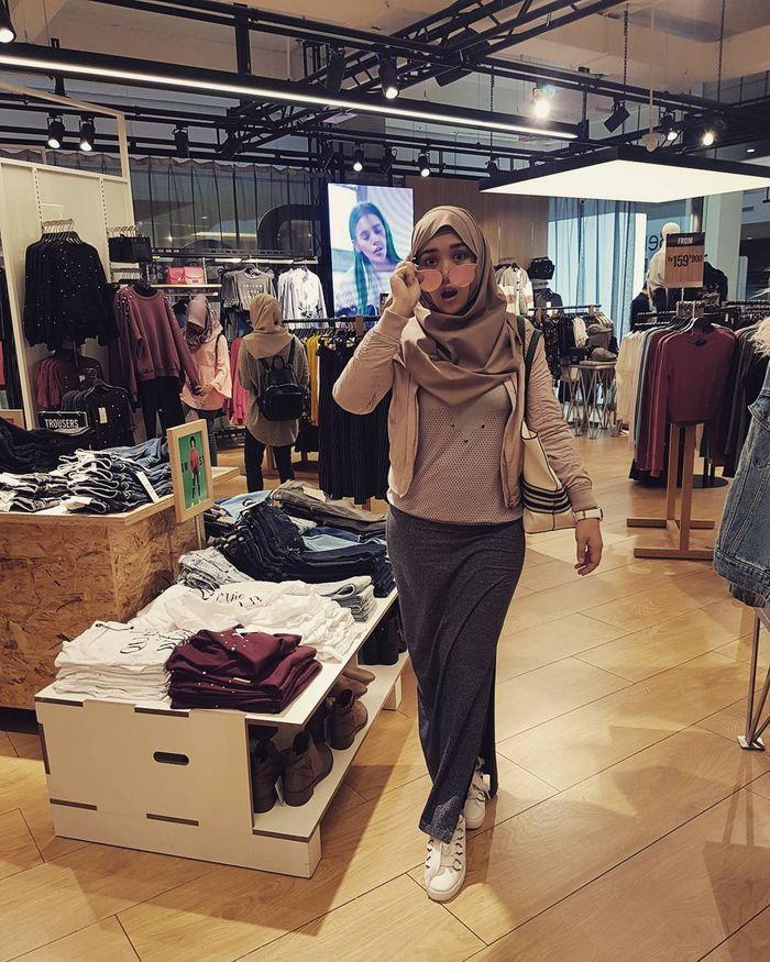 Bebi Silvana senang nge-mall dan traveling