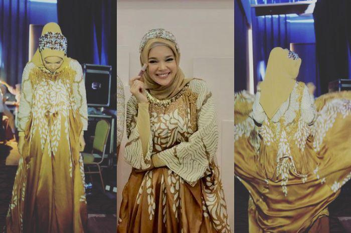 Dewi Sandra saat mengenakan dress yang mirip dengan Alyssa Soebandono