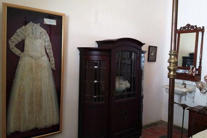 Baju pengantin Martha Tilaar