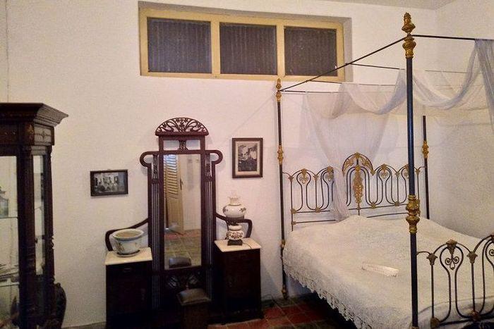 Salah satu kamar tidur di Roemah Martha Tilaar