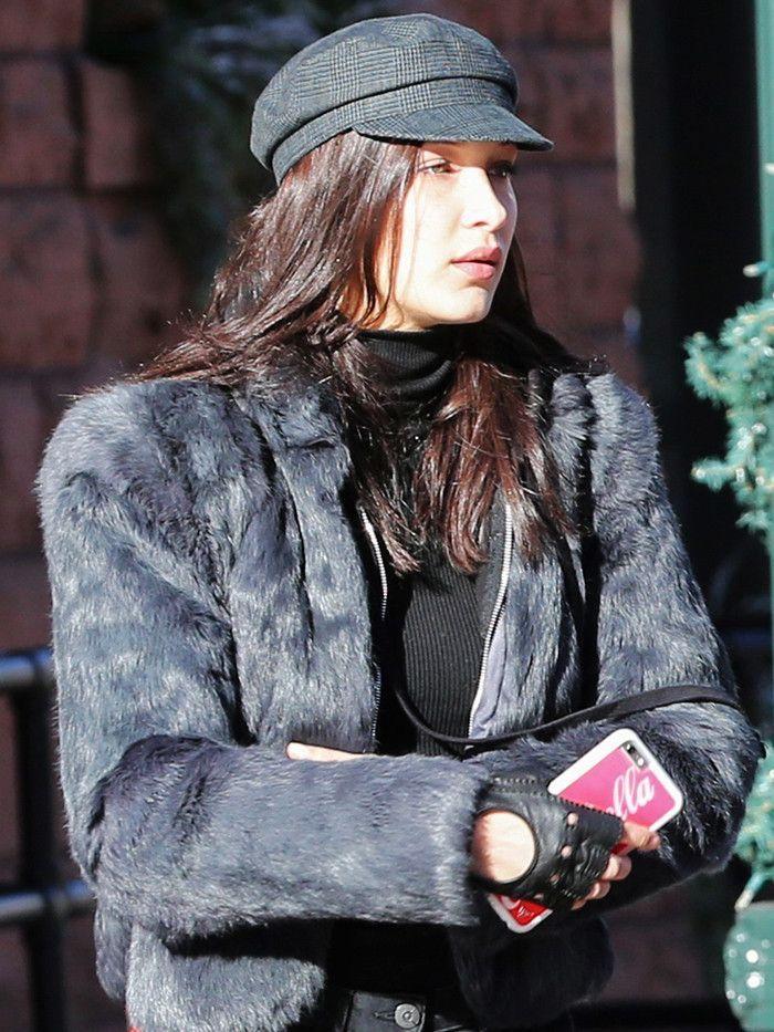 Bella Hadid newsboy cap