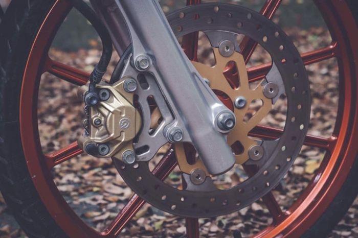 pelek palangnya mirip model pelek Daytona GP Wheel