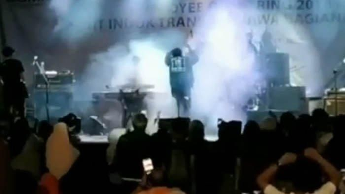 Detik-detik pangung band Seventeen diterjang Tsunami.