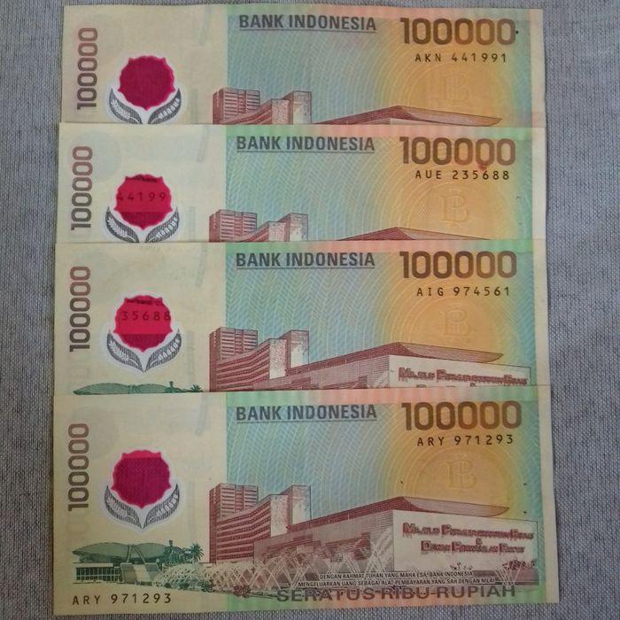 Gambar Uang Lima Ratus Ribu Uang Kertas Rp100 Ribu Keluaran Tahun 1999 Terbuat Dari Plastik