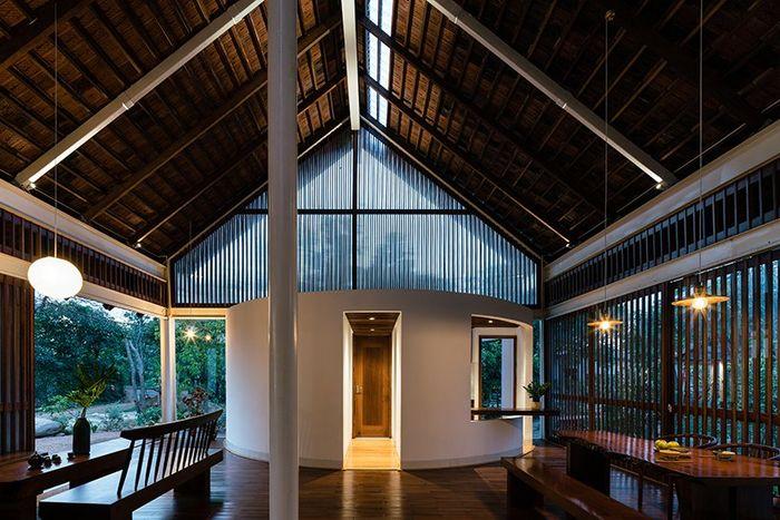 YT House karya Rear Studio