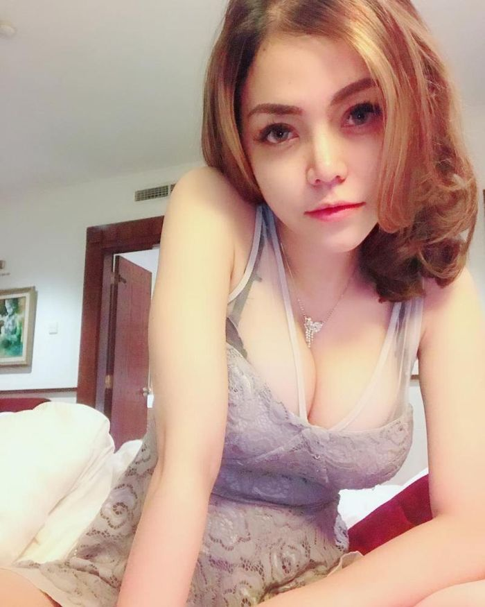artis cantik artis hotel booking hot
