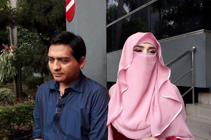 Lucky Hakim dan Tiara Dewi saat ditemui Grid.ID di Polda Metro Jaya. Rabu (9/1/2019).