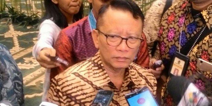 Dirjen Pajak Ken Dwijugiasteadi di Kantor Kementerian Keuangan, Jakarta, Selasa (1/3/2016)