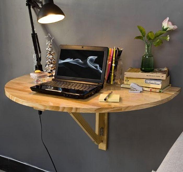Gunakan meja yang tidak mempersempit ruang