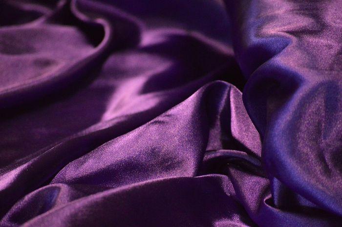 Kamar berwarna ungu dapat meningkatkan frekuensi bercinta