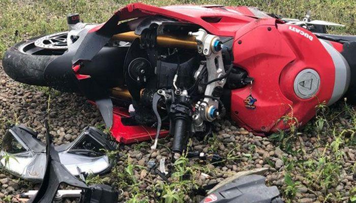 Crash parah, seperti ini penampakan bagian depan Ducati Panigale V4S
