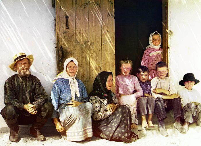 Diduga foto keluarga Valentina Vassilyeva.