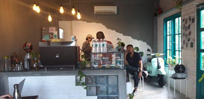 Interior di Meanwhile Coffee