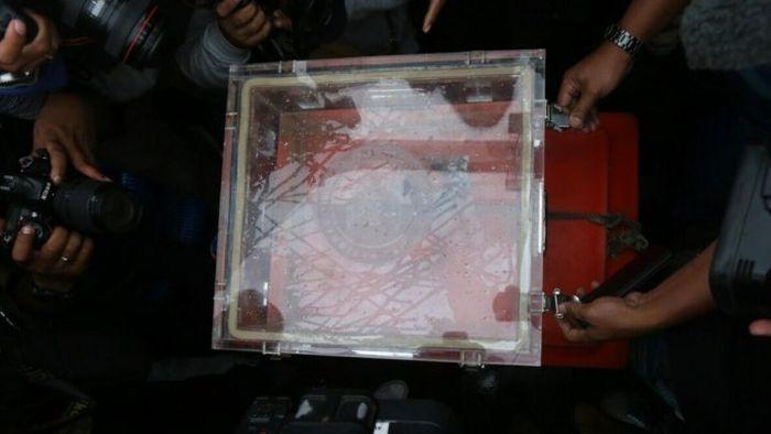 Cokpit Voice Recorder(CVR)  Lion Air PK-LQP ditunjukkan kepada wartawan setelah berhasil ditemukan o