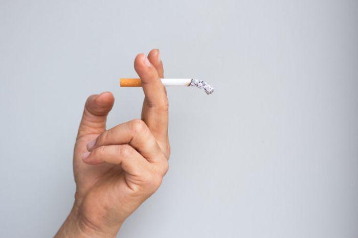 Jangan merokok atau vape di rumah orang tanpa izin