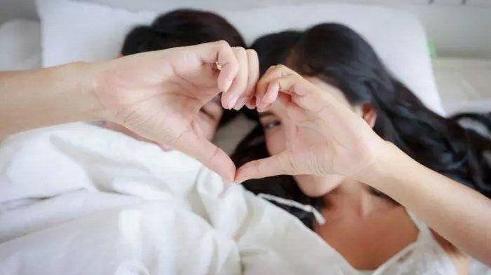 Salah satu cara agar penetrasi terasa nikmat adalah melakukan stimulasi klitoris.