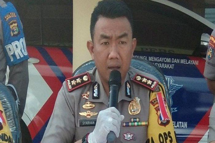 Kapolres Lampung Selatan AKBP M Syarhan berikan keterangan pers terkait kasus inses ini.
