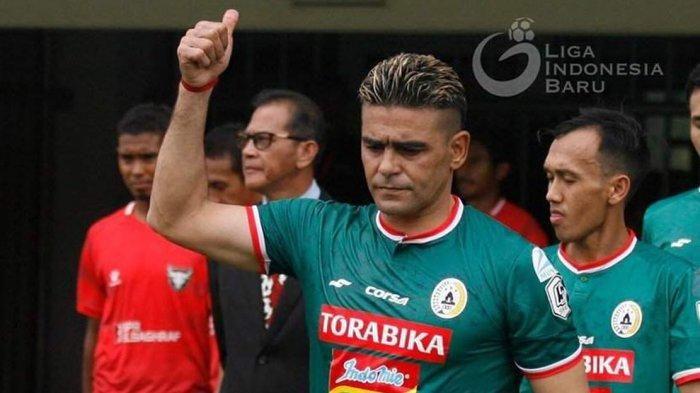 Striker PSS Sleman, Crsitian Gonzales.