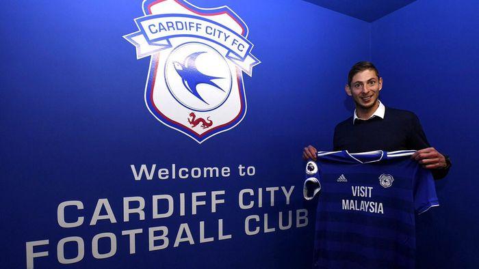 Striker anyar Cardiff City, Emiliano Sala dikabarkan mengalami kecelakaan pesawat