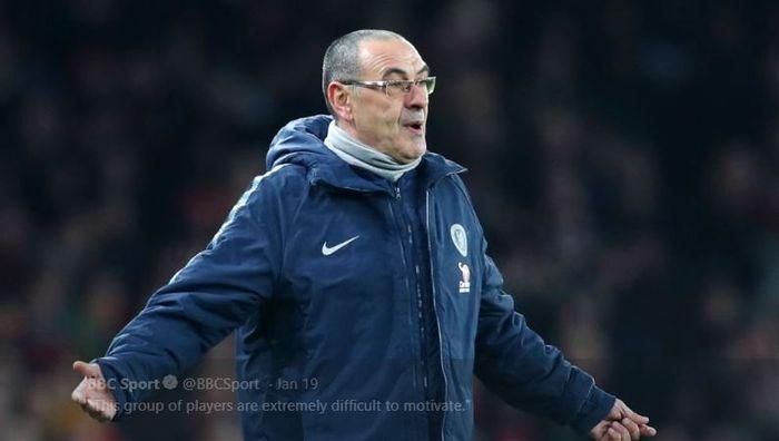 Ekspresi pelatih Chelsea, Maurizio Sarri, saat timnya kalah 0-2 dari Arsenal dalam laga Liga Inggris pekan ke-23 di Stadion Emirates, Sabtu (19/1/2019)