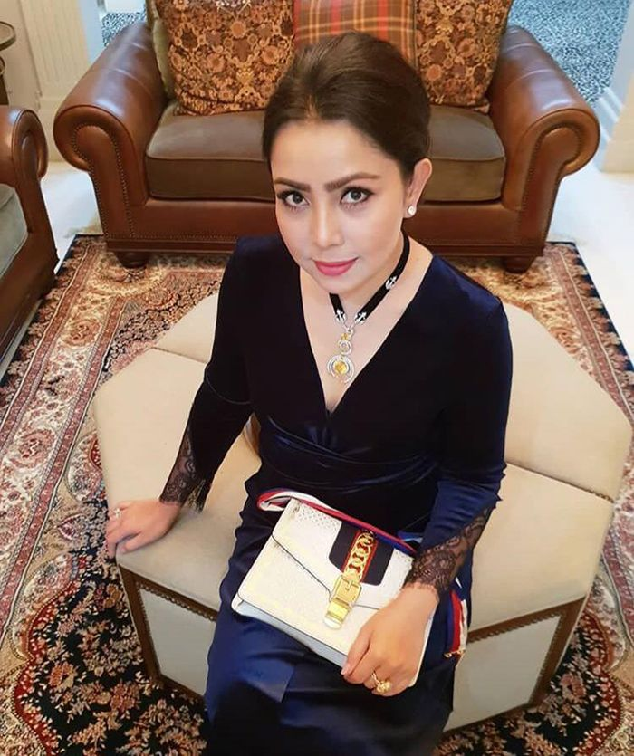 penampilan Mayangsari saat datangi ulang tahun Tutut Soeharto
