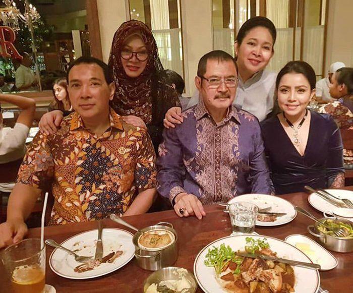 Mayangsari, Bambang dan para iparnya