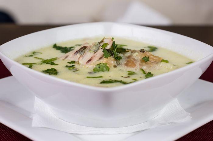 Sup ayam juga mengandung vitamin dan mineral yang bisa dikonsumsi ketika sakit flu