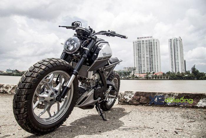 Modifikasi Yamaha Xabre bergaya tracker