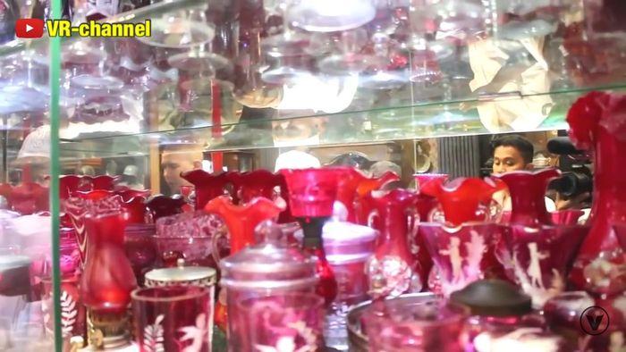 Gelas kristal milik Ahmad Dhani